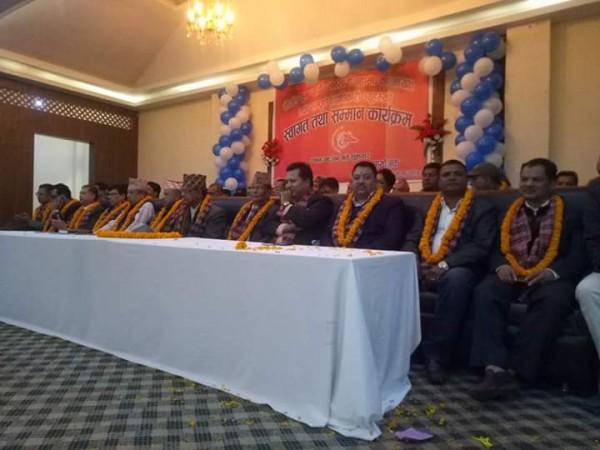 नेपाल सुनचाँदी व्यवसायी महासंघको ७ औं पूर्ण बैठक भैरहवामा सम्पन्न, धनुषालाई महासंघको जिल्ला सदस्यता प्रदान