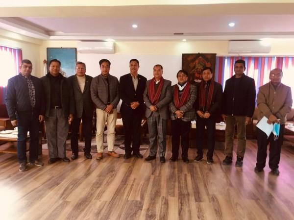 नेपाल सुनचाँदी ब्यवसायी महासंघ र चेम्वरका प्रतिनिधिमण्डलवीच भेटबार्ता
